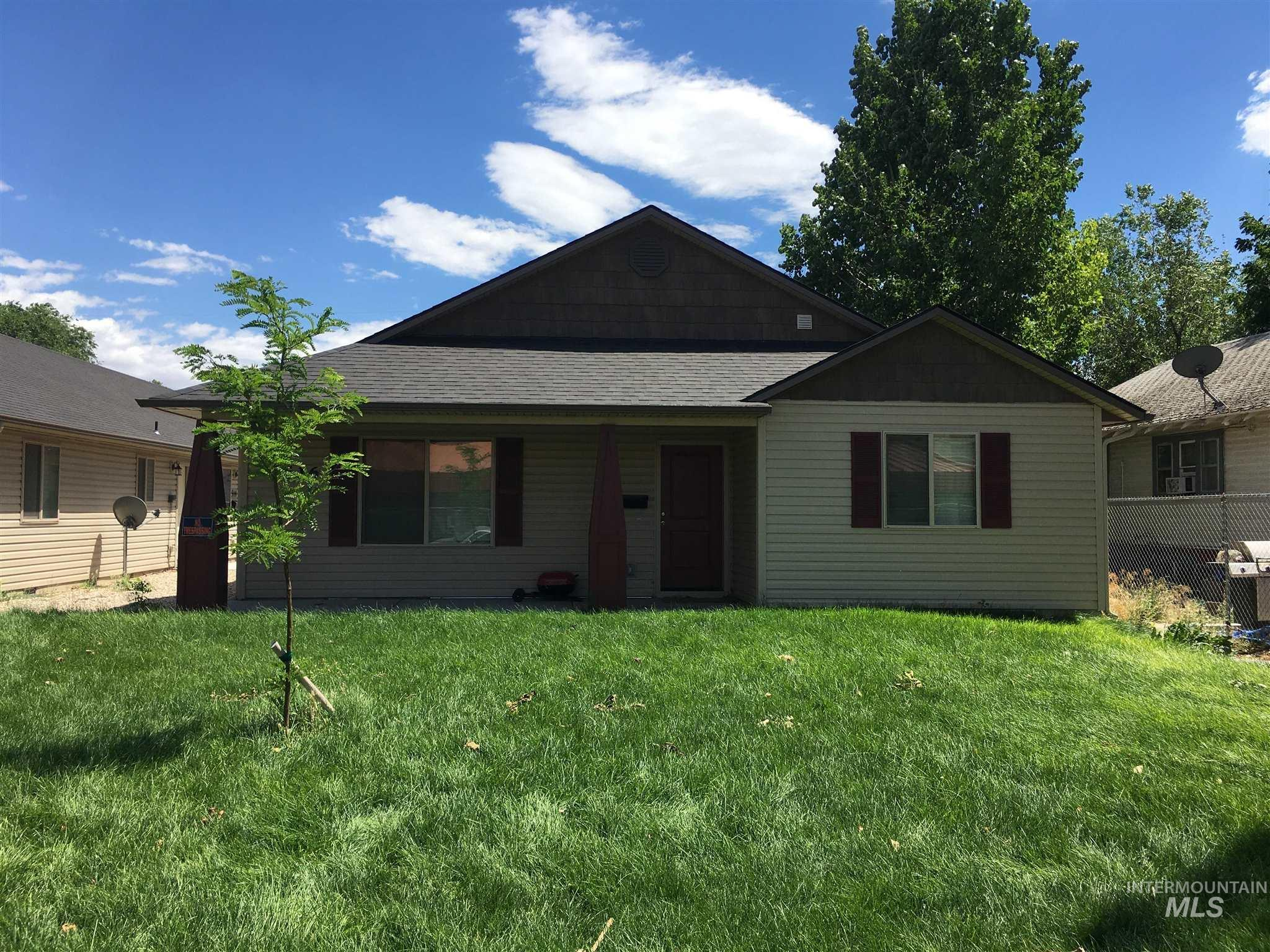 Photo of 516-518 15th Ave S Nampa ID 83651