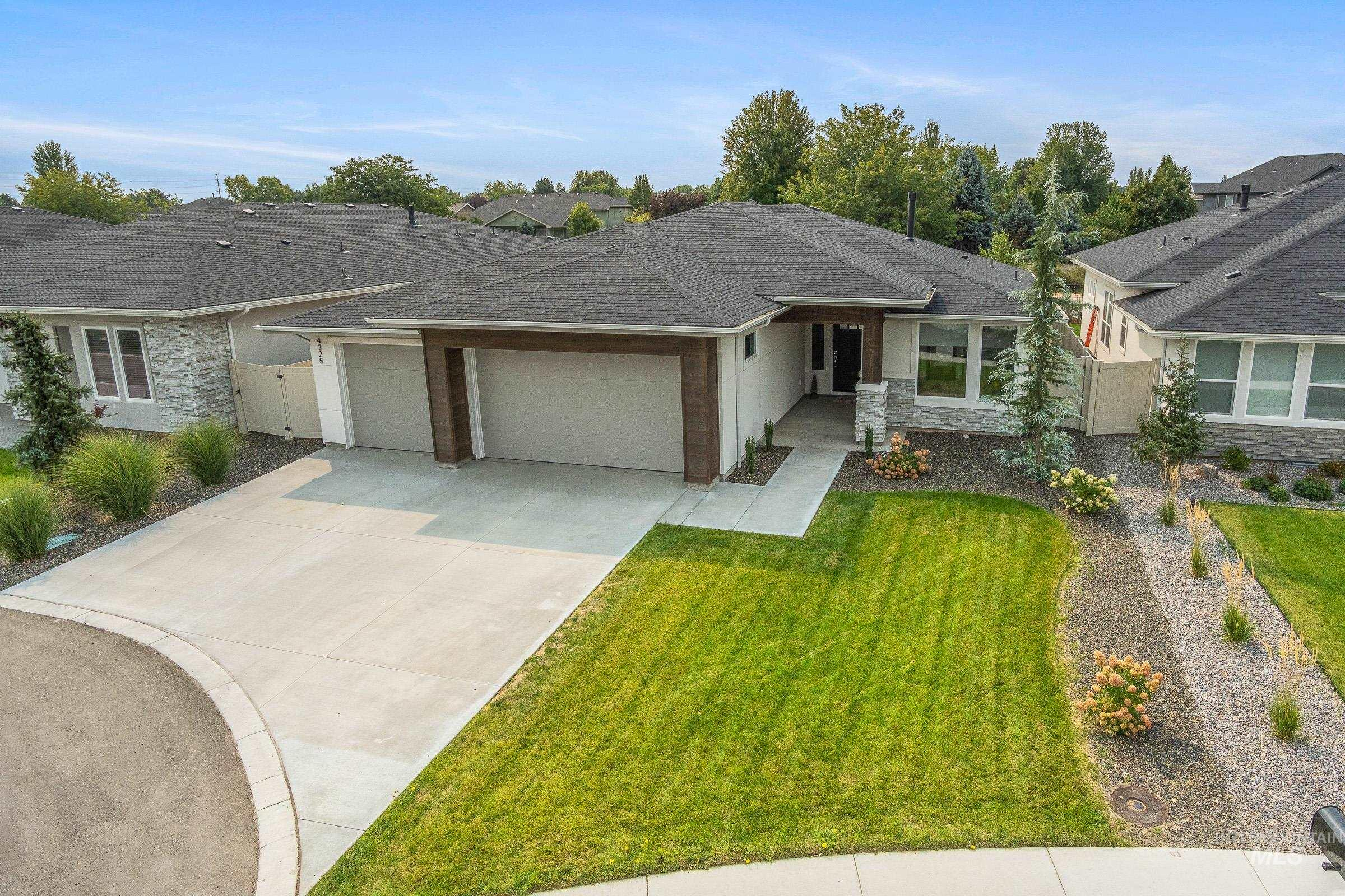 Photo of 4325 Copper Point Dr Meridian ID 83642