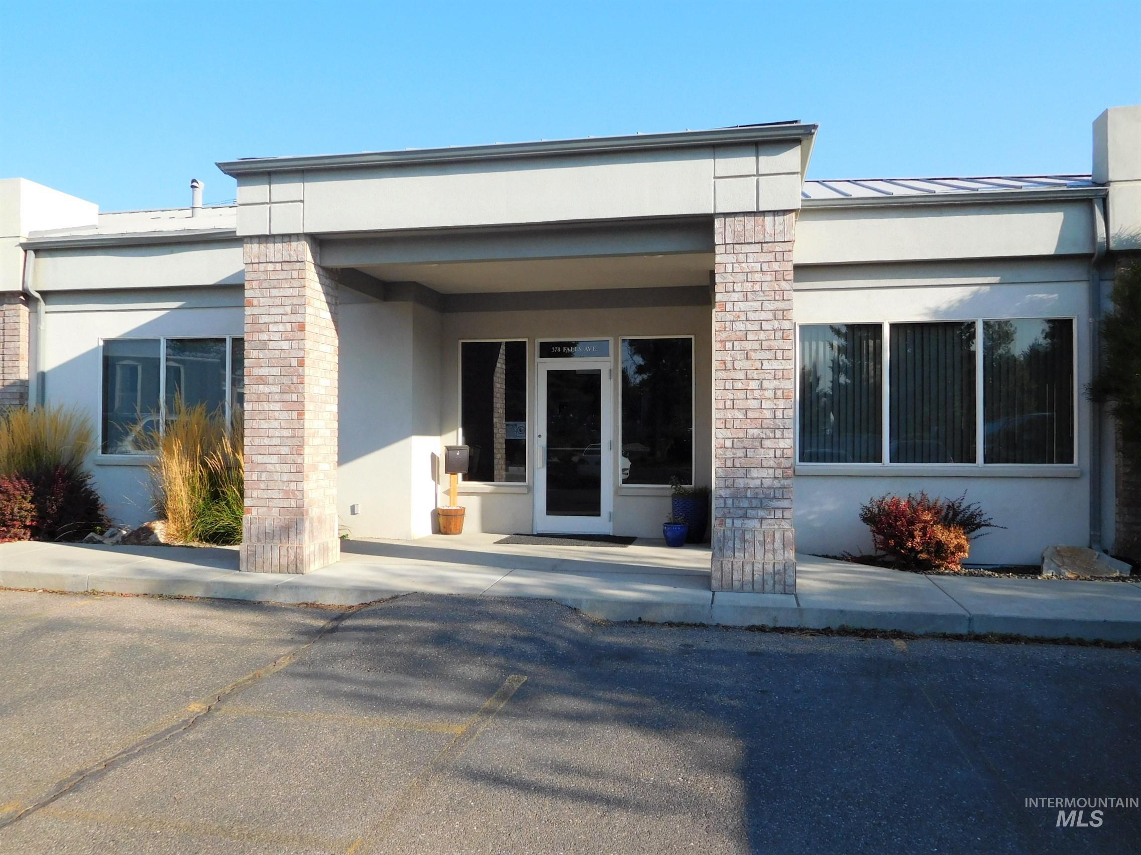 378 Falls Ave., Twin Falls, Idaho 83301, 11 Rooms Rooms,Commercial Lease,For Rent,378 Falls Ave.,98821982