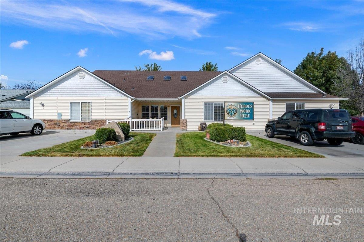 612 E Maryland, Nampa, Idaho 83686, 15 Bedrooms Bedrooms, 10 Rooms Rooms,Commercial Sale,For Sale,612 E Maryland,98822521