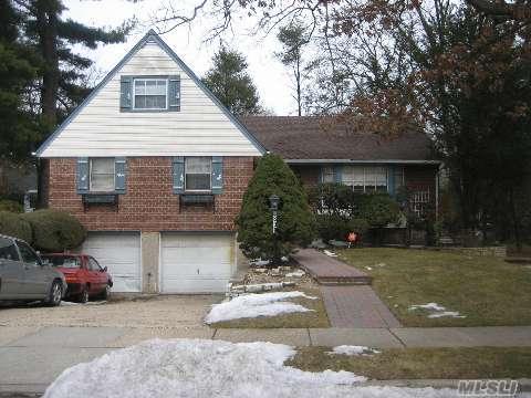 898 Baldwin Dr in Long Island, Westbury, NY 11590