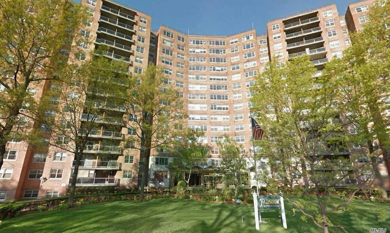 Luxury Hi-Rise Large 1 Bedroom. Totally Renovated Apartment, W/Garage Parking. Stainless Steel Appliances.  Gorgeous Views. Parquet Floors. G/E Included In Maintenance.  24 Hr Doorman, In-Ground Swimming Pool & Cabana Makes You Feel Your On Vacation.