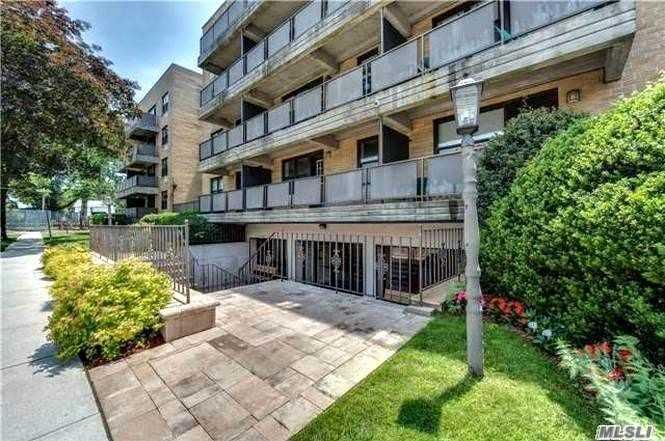 Property for sale at 101 Jackson Ave # 1L, Mineola NY 11501, Mineola,  New York 11501