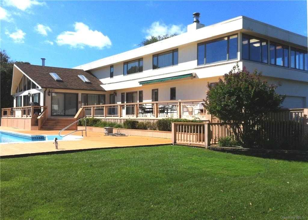 1205 Lake Drive, Southold, New York 11971, 4 Bedrooms Bedrooms, ,4 BathroomsBathrooms,Residential,For Rent,Lake,3078344