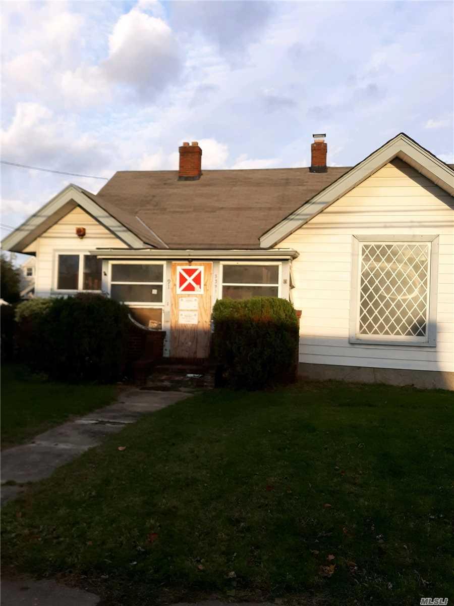 Property for sale at 3391 Bay Front Drive, Baldwin NY 11510, Baldwin,  New York 11510