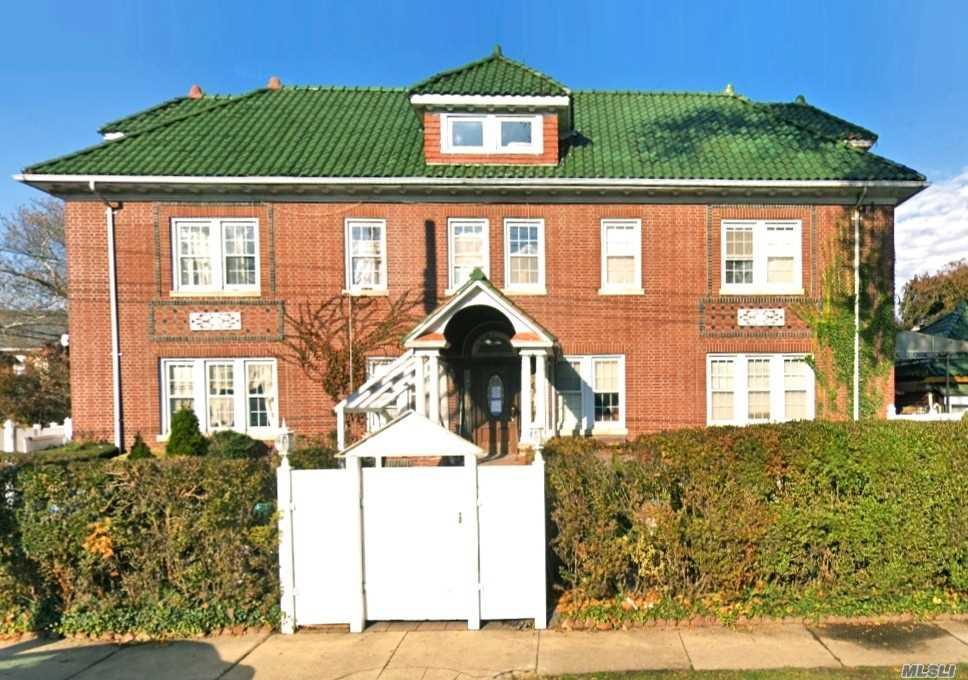 Property for sale at 15605 Laburnum Ave, Flushing NY 11354, Flushing,  New York 11354