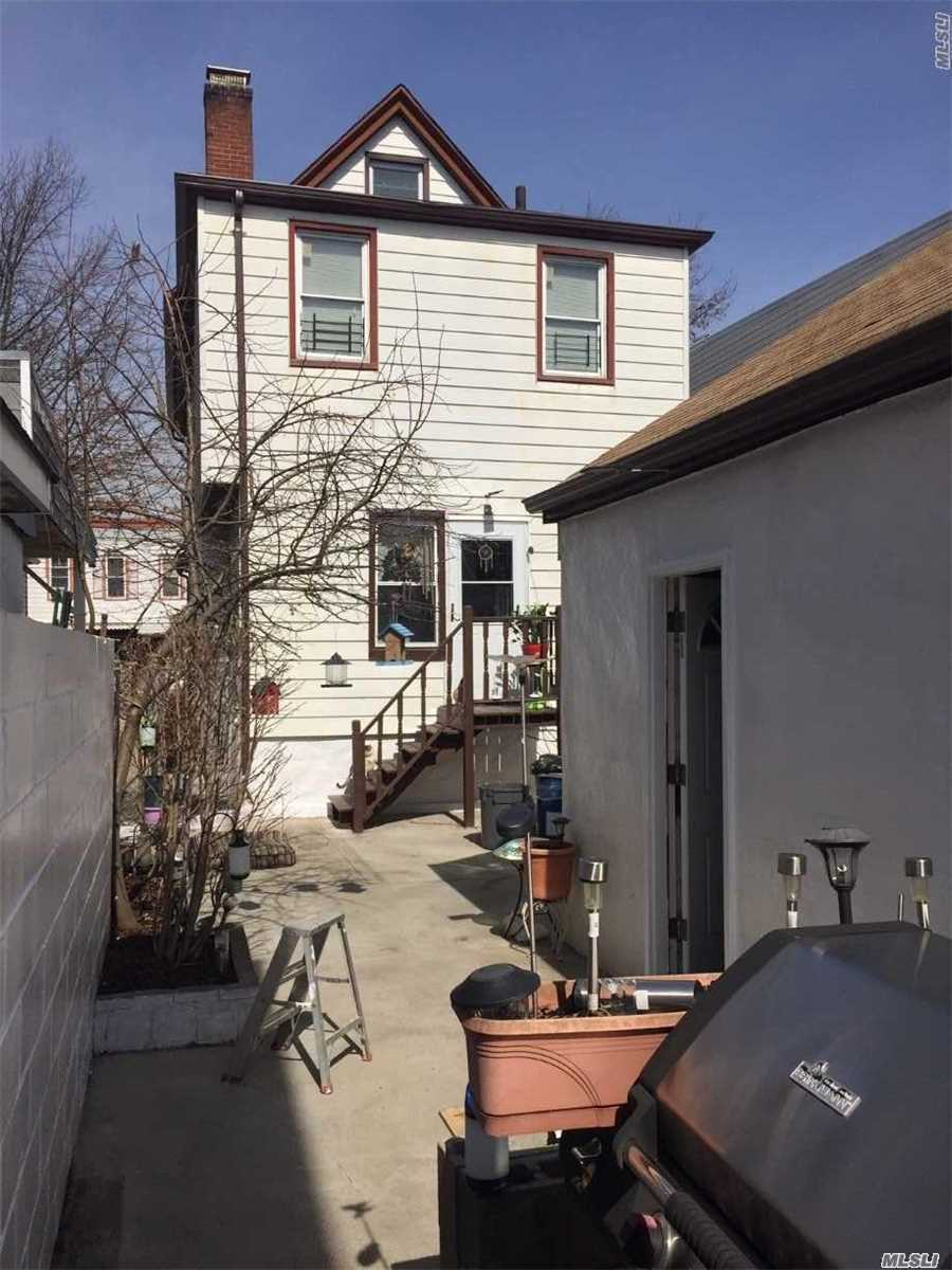 Property for sale at 112-10 95 Avenue, Richmond Hill NY 11419, Richmond Hill,  New York 11419
