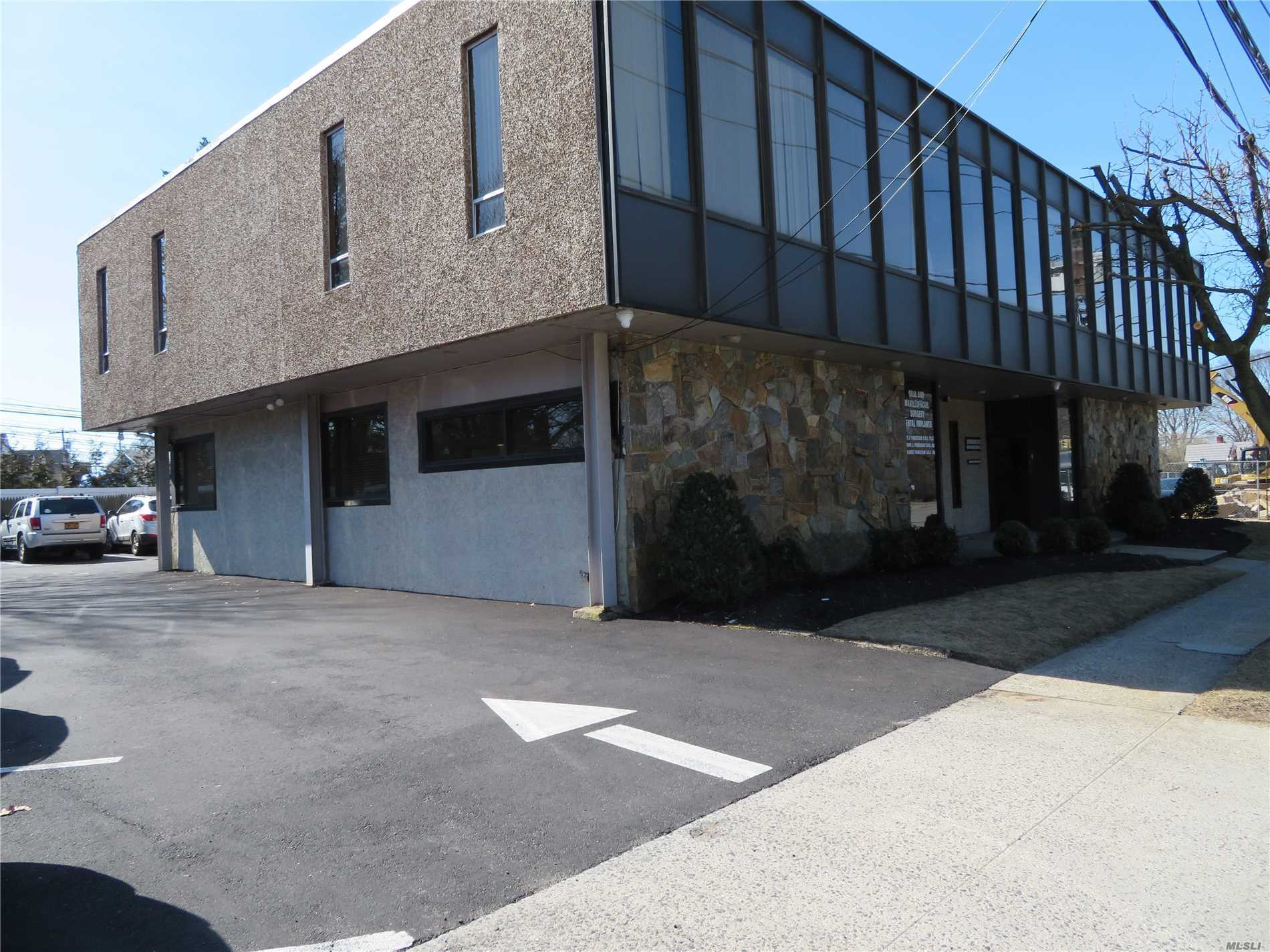 Commercial Lease Merrick Road  Nassau, NY 11758, MLS-3109044-15