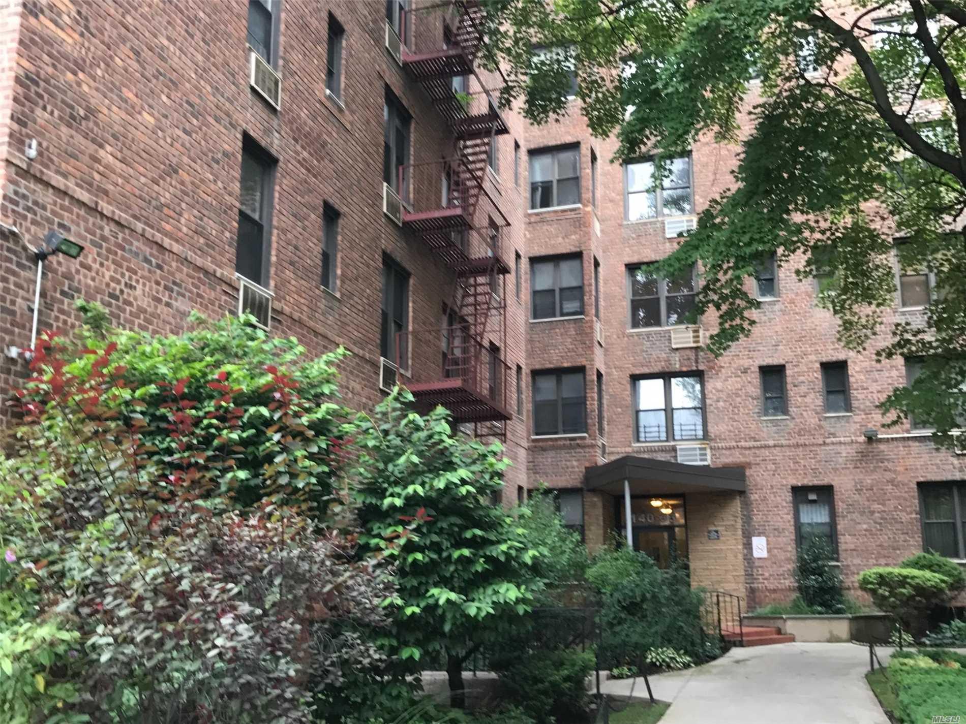 29-08 139 Street 6F, Flushing, NY 11354