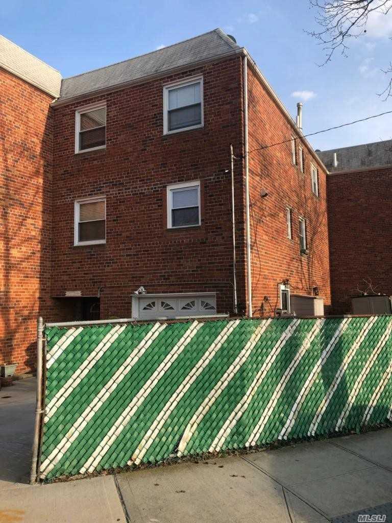 Property for sale at 2055 Elk Drive, Far Rockaway NY 11691, Far Rockaway,  New York 11691