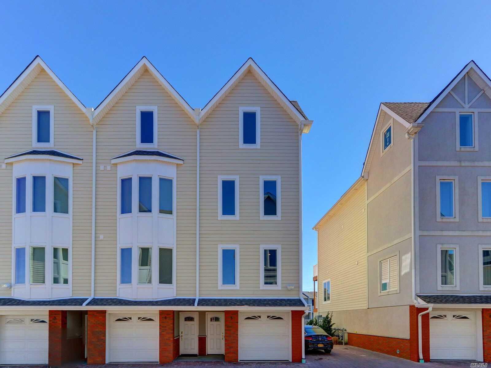Property for sale at 531 Ray Street # 5, Freeport NY 11520, Freeport,  New York 11520