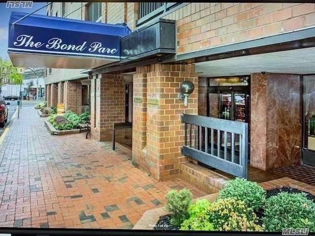 Property for sale at 12 Bond Street # 6D, Great Neck NY 11021, Great Neck,  New York 11021