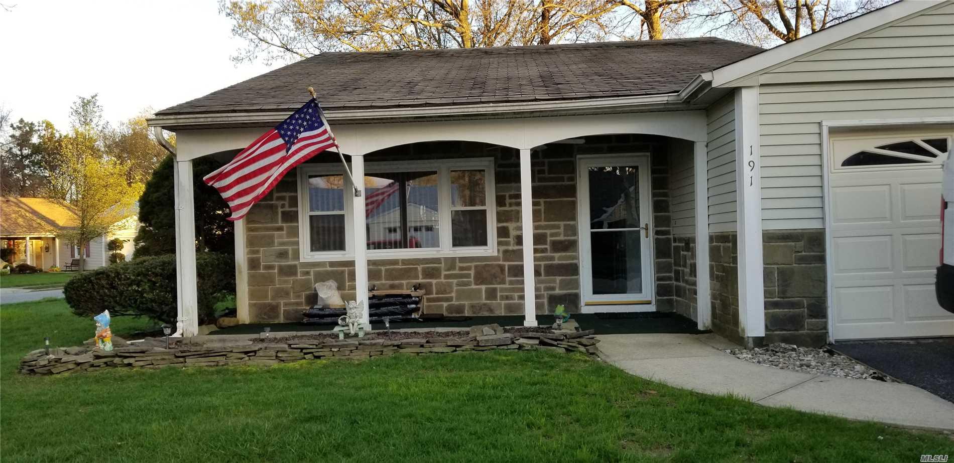 Property for sale at 191 Edinburgh Drive, Ridge,  New York 11961
