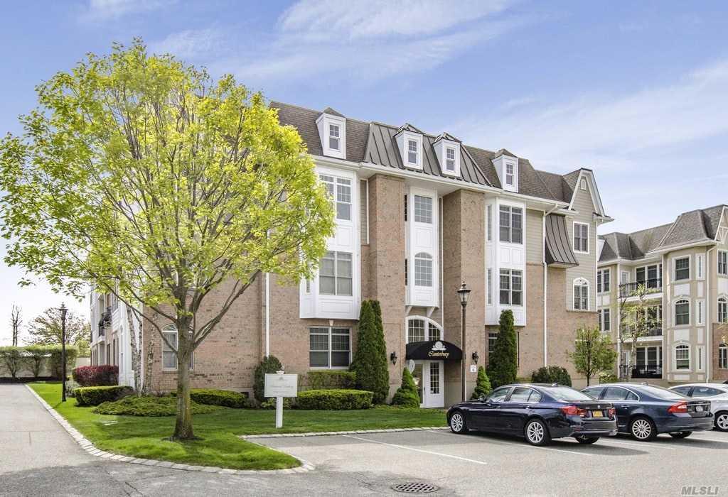 Property for sale at 418 Pacing Way, Westbury NY 11590, Westbury,  New York 11590