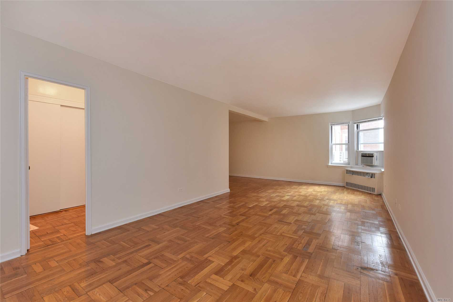 110-20 71st Road 205, Forest Hills, NY 11375