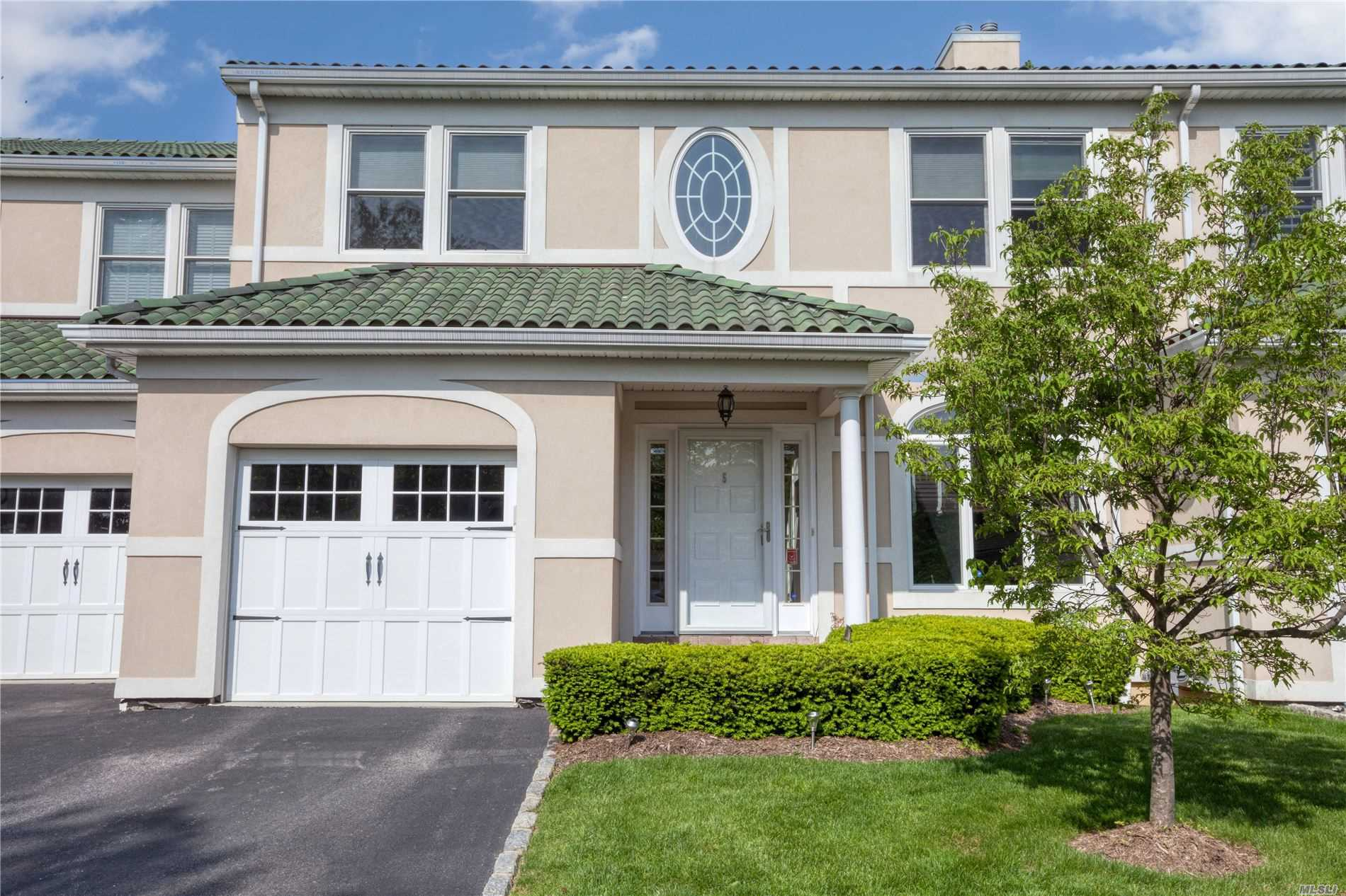 Property for sale at 5 Villa Promenade, Bay Shore NY 11706, Bay Shore,  New York 11706