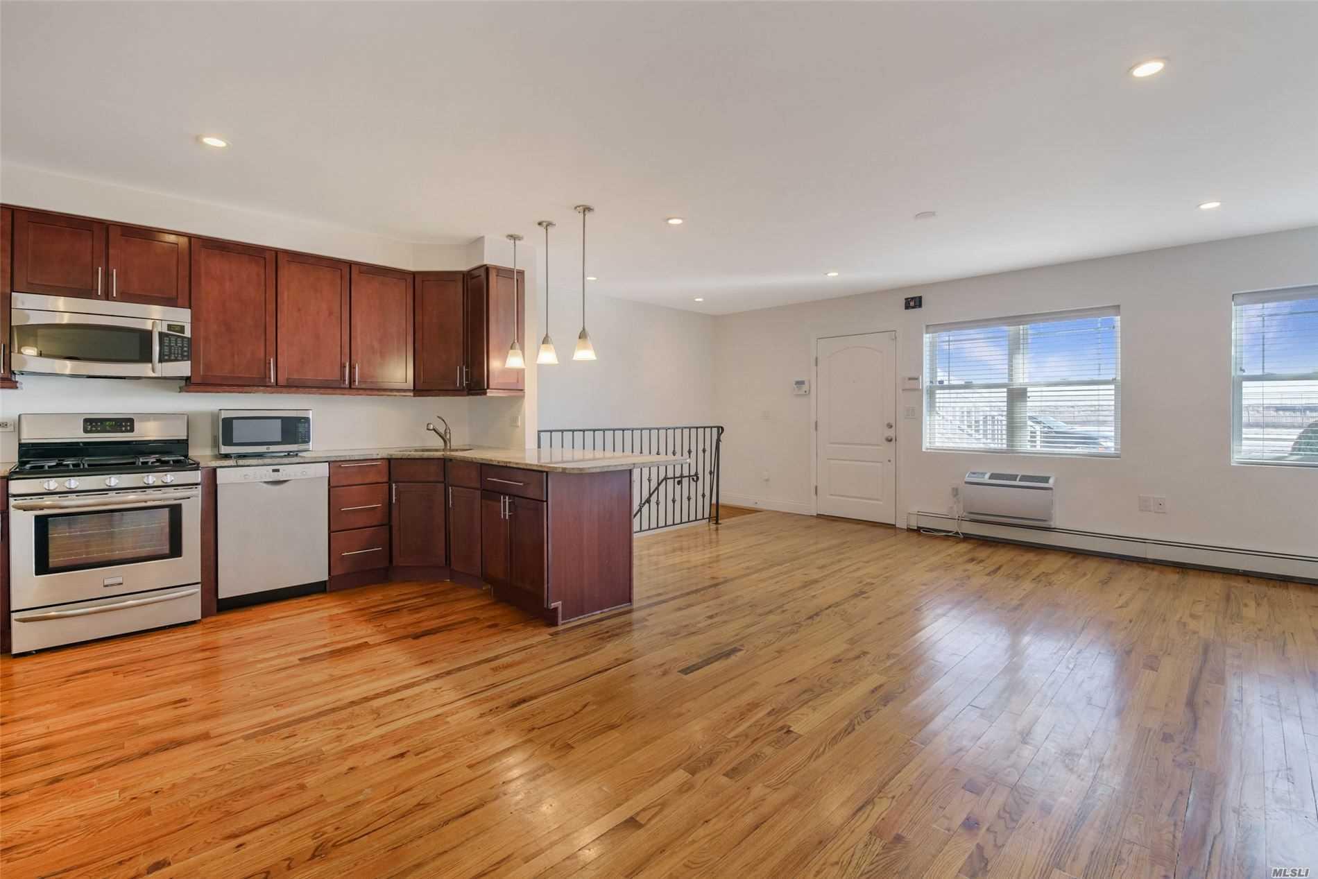Property for sale at 100-10 Shorefront Parkway # 19A, Rockaway Park NY 11694, Rockaway Park,  New York 11694