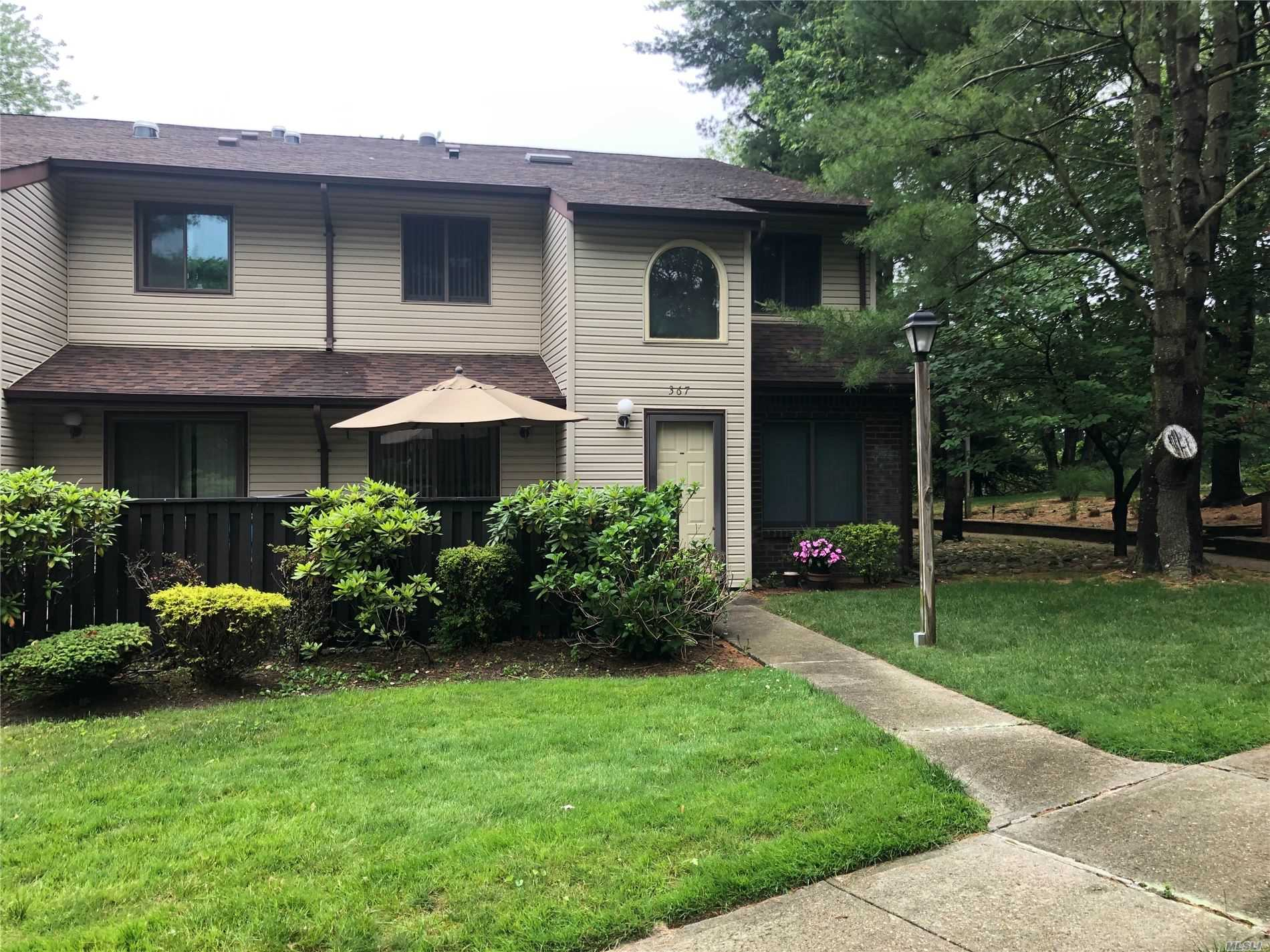 Property for sale at 367 Woodland Court # 367, Coram NY 11727, Coram,  New York 11727