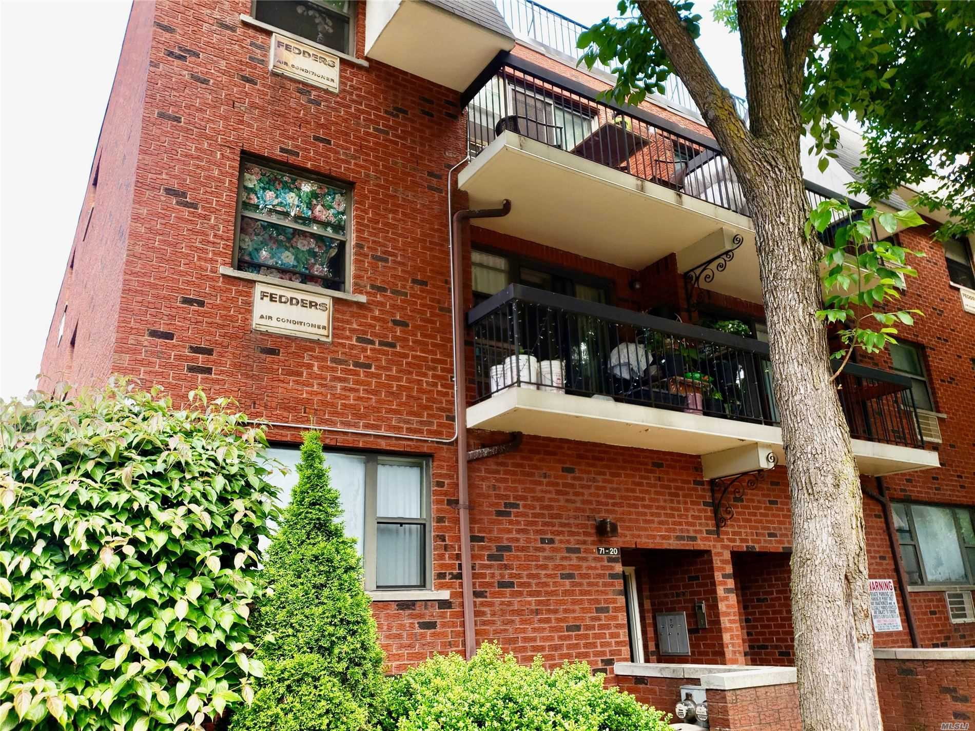 Property for sale at 7120 Sutton Place # 3, Fresh Meadows NY 11365, Fresh Meadows,  New York 11365