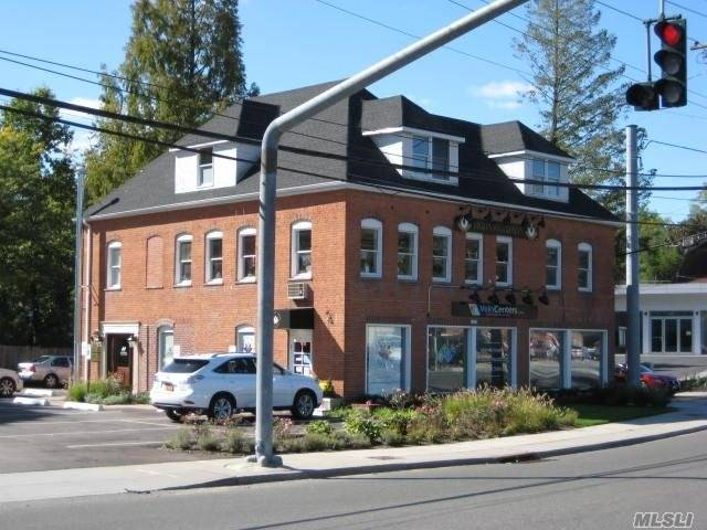 1062 Northern Blvd, Roslyn Heights, NY 11577