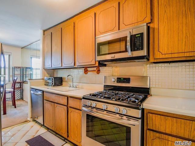 Property for sale at 8710 149th Avenue # 2M, Howard Beach NY 11414, Howard Beach,  New York 11414