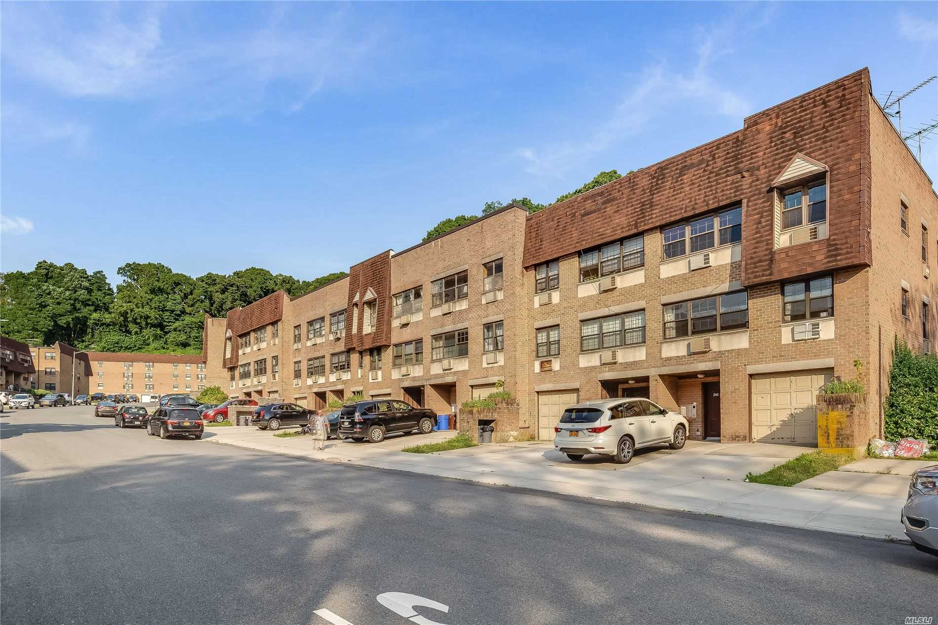 Property for sale at 240-08 70 Avenue # B, Douglaston NY 11362, Douglaston,  New York 11362