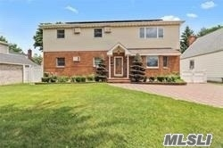 Property for sale at 7815 266th St, Floral Park,  New York 11004