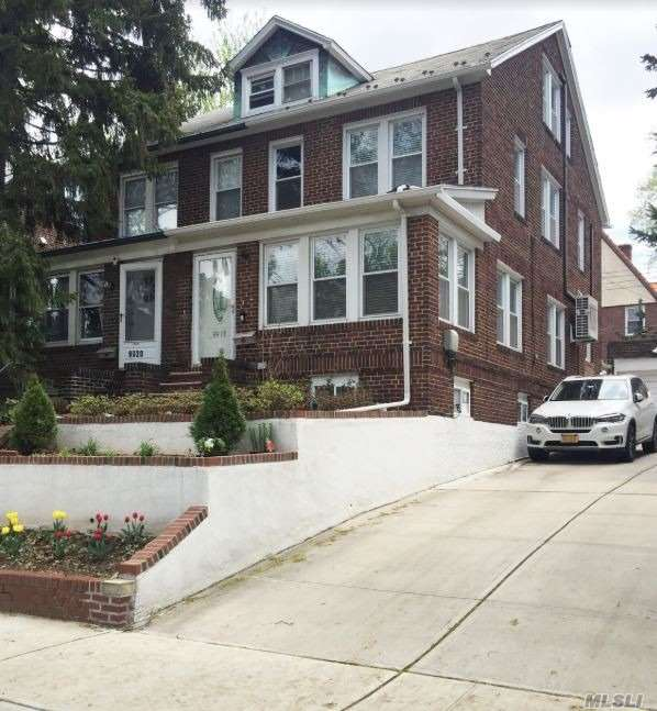 Property for sale at 99-18 Ascan Avenue, Forest Hills NY 11375, Forest Hills,  New York 11375