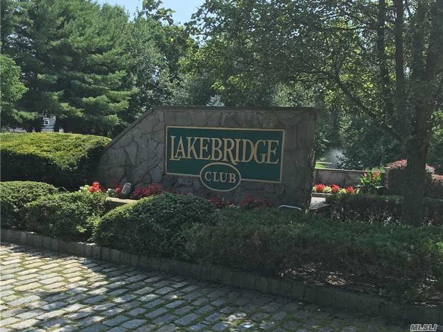 Property for sale at 160 Lakebridge Drive, Kings Park NY 11754, Kings Park,  New York 11754