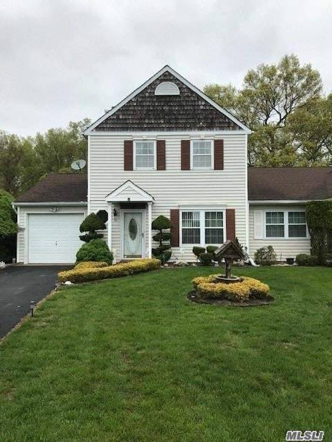 Property for sale at 14 Badger Trail, Coram NY 11727, Coram,  New York 11727