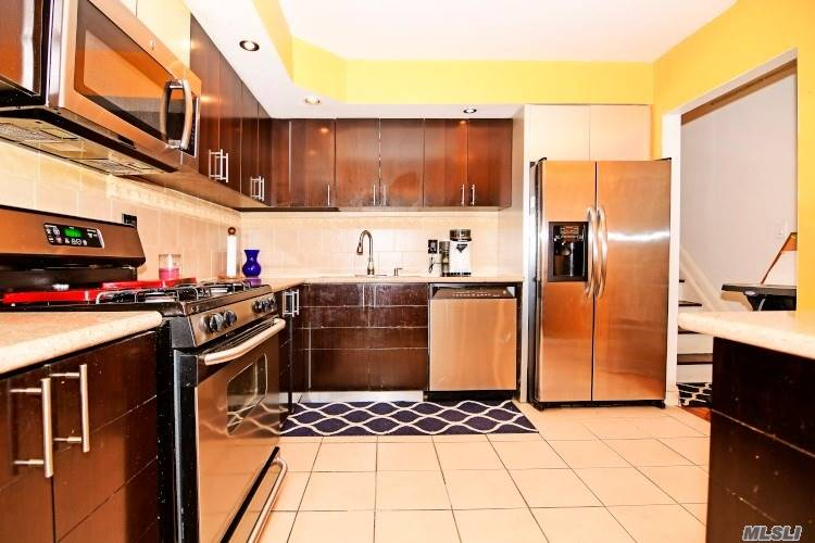Property for sale at 71-32 163 Street # 1, Fresh Meadows NY 11365, Fresh Meadows,  New York 11365