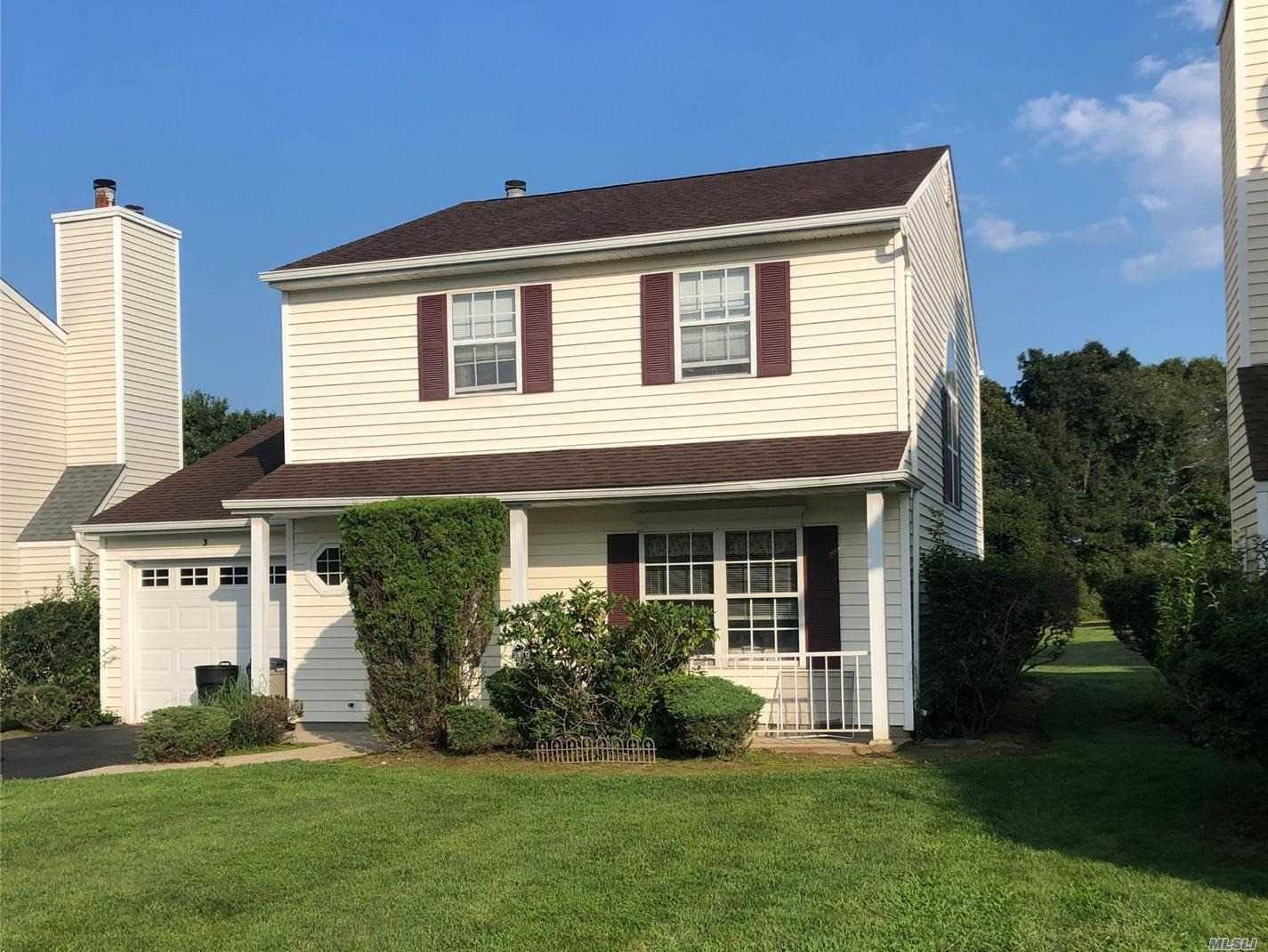 Property for sale at 3 Badger Trail, Coram NY 11727, Coram,  New York 11727