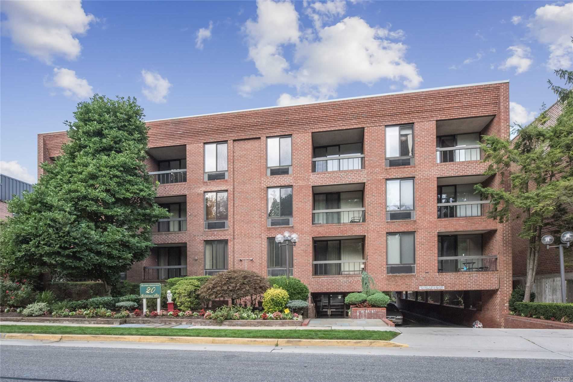 Property for sale at 20 Gilchrest Road # 3E, Great Neck NY 11021, Great Neck,  New York 11021