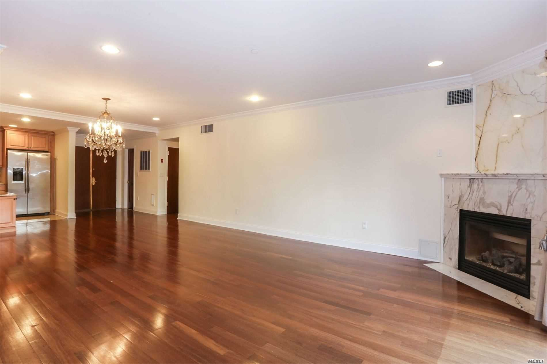 Property for sale at 171 Great Neck Road # 1K, Great Neck NY 11021, Great Neck,  New York 11021