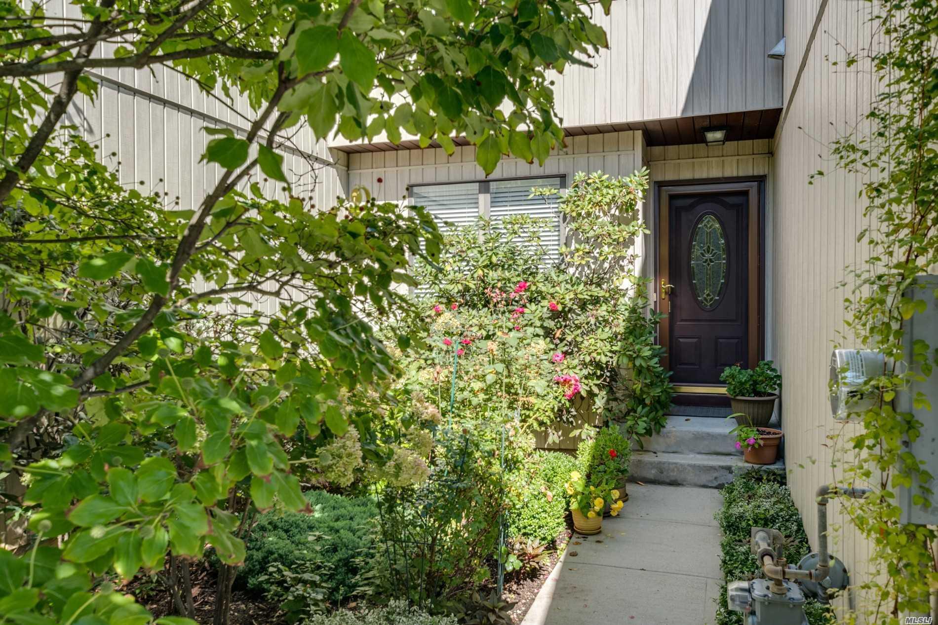 Property for sale at 729 Woodland Estates Drive, Baldwin NY 11510, Baldwin,  New York 11510