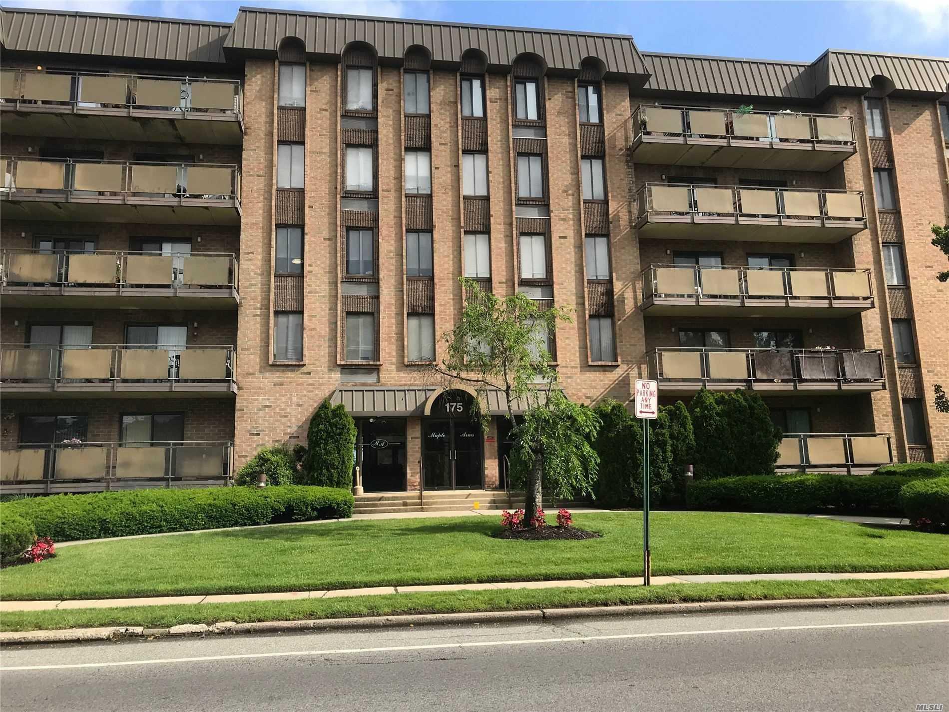 Property for sale at 175 Maple Avenue # l, Westbury NY 11590, Westbury,  New York 11590