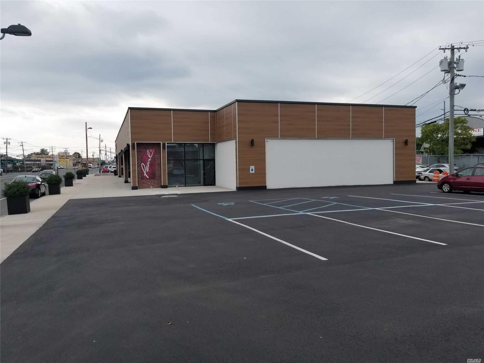 Commercial Lease Austin Boulevard  Nassau, NY 11558, MLS-3163752-6