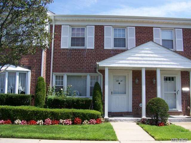 Property for sale at 281 Wheeler Avenue Unit: 28, Valley Stream,  New York 11580