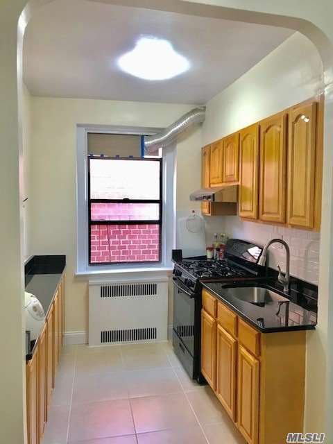 Property for sale at 40-35 Ithaca Avenue # 5J, Elmhurst NY 11373, Elmhurst,  New York 11373