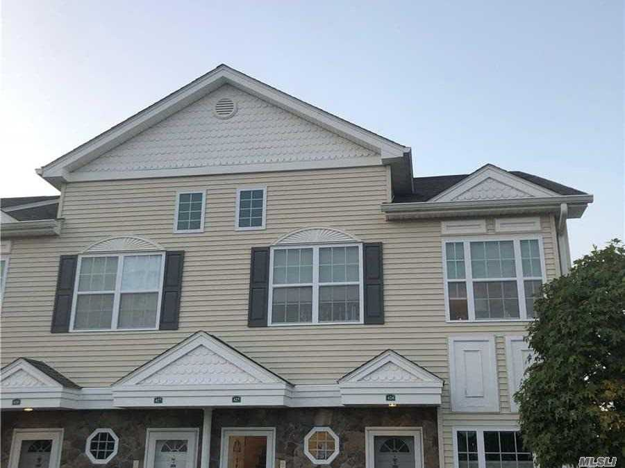 Property for sale at 425 Autumn Drive, East Meadow NY 11554, East Meadow,  New York 11554