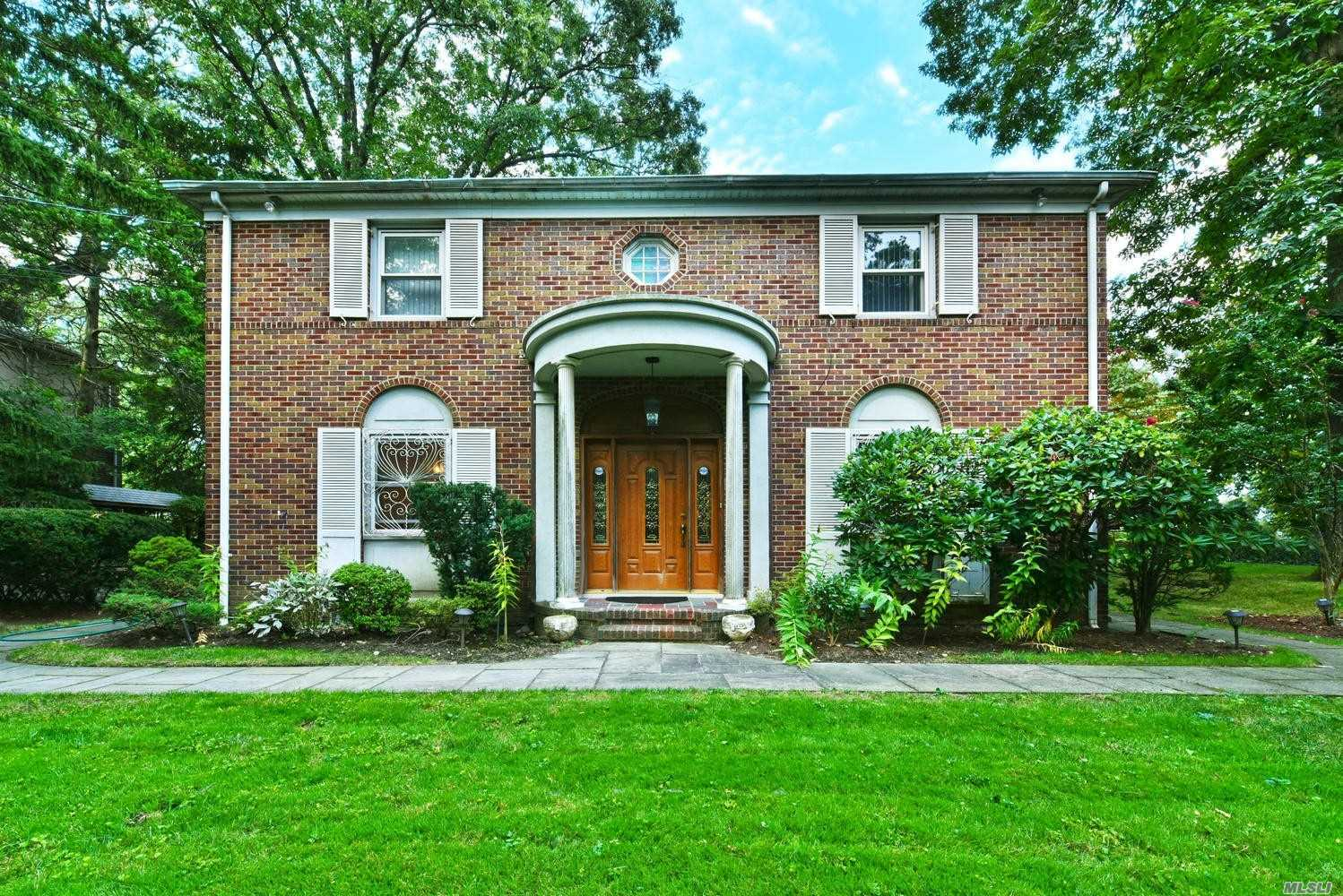 Property for sale at Holliswood,  New York 11423