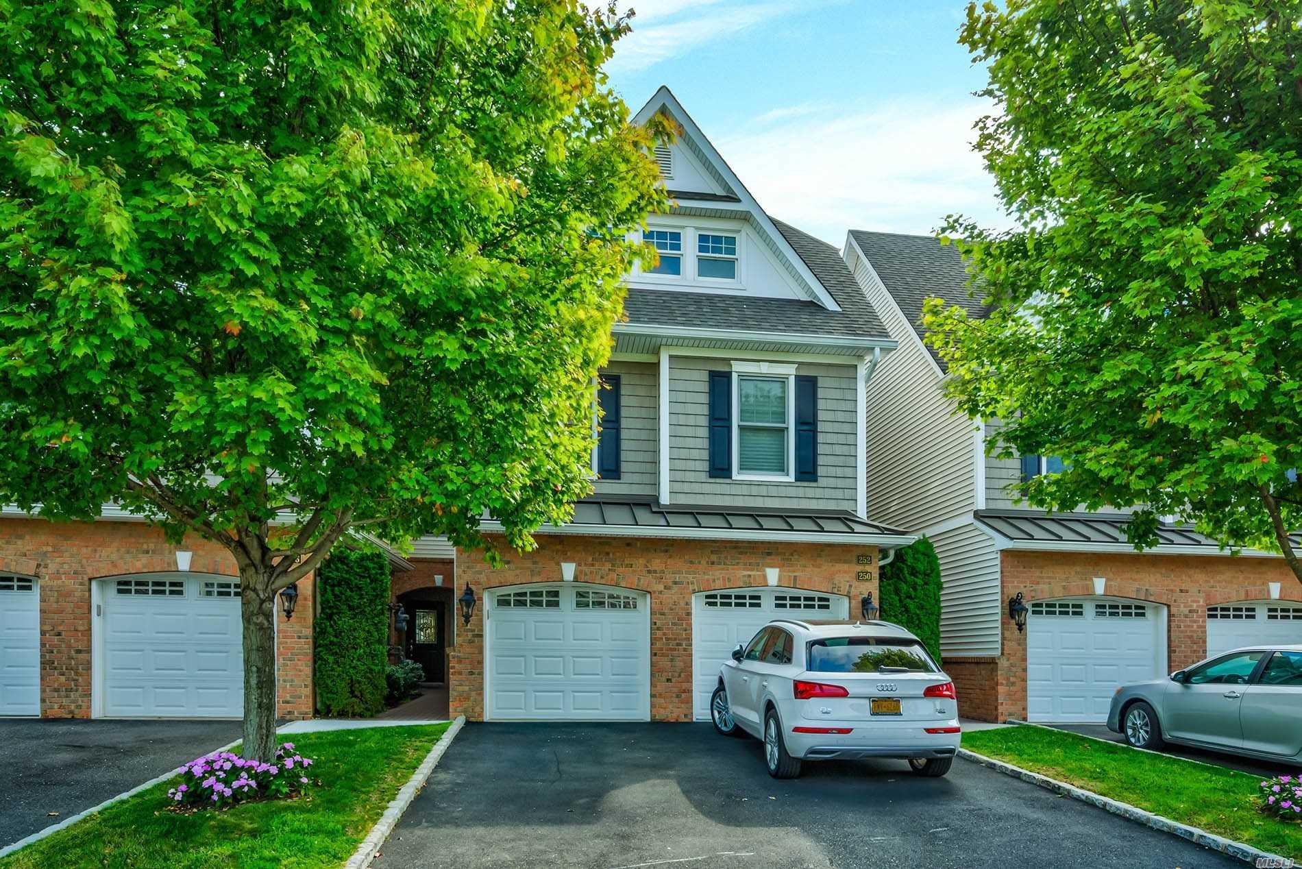 Property for sale at 250 Roosevelt Way, Westbury NY 11590, Westbury,  New York 11590