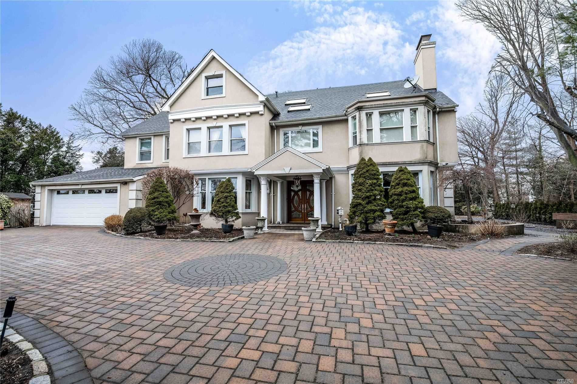 Property for sale at Hewlett Bay Park,  New York 11557