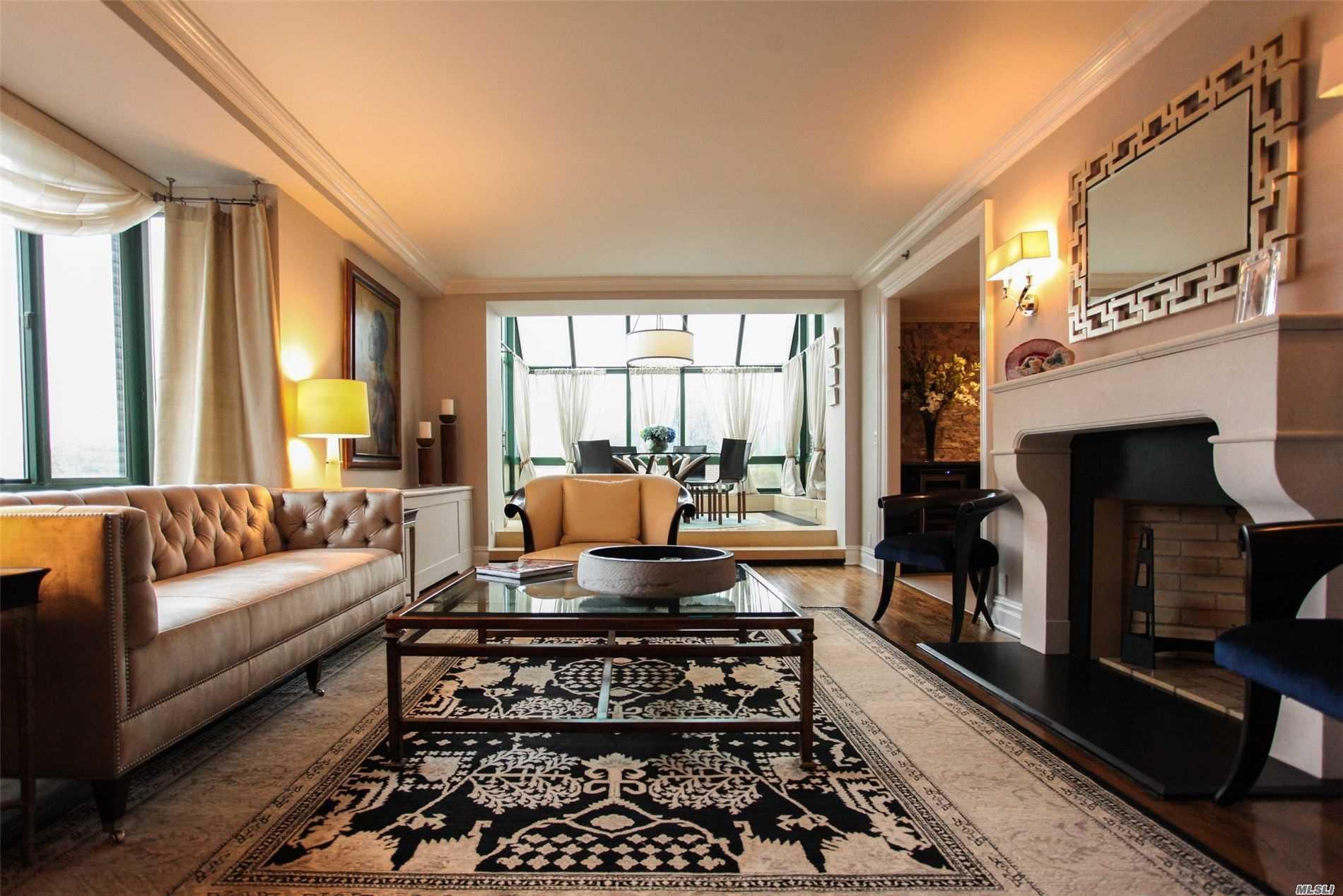 Property for sale at 100 Hilton Avenue Unit: PH1, Garden City,  New York 11530