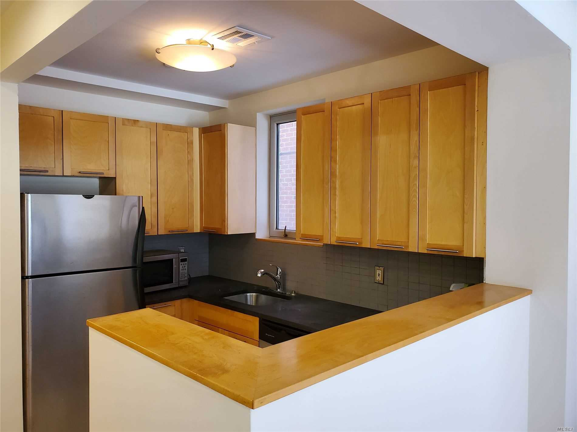 Property for sale at 71-28 163 Street # 1A, Fresh Meadows NY 11365, Fresh Meadows,  New York 11365