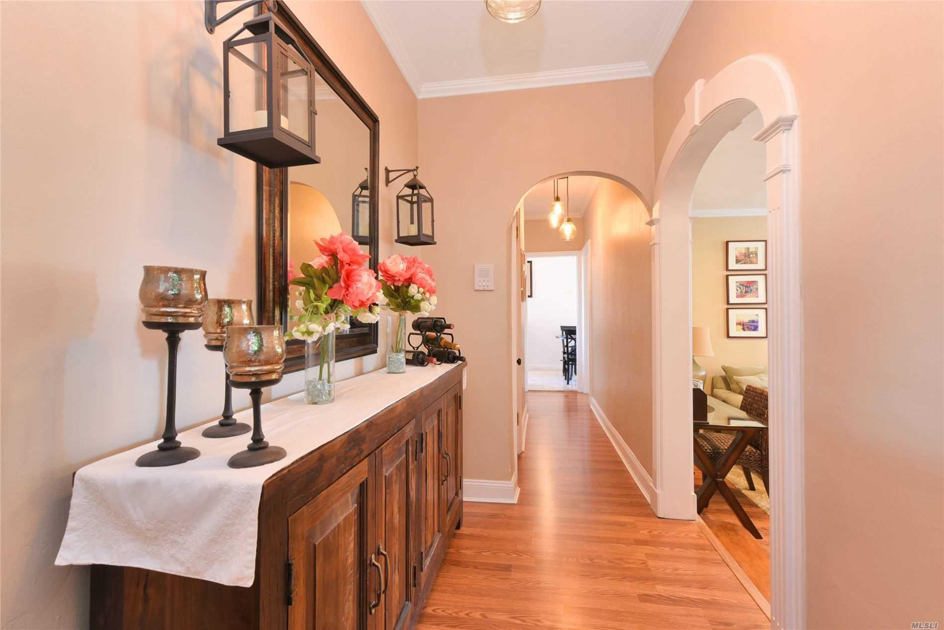 Property for sale at 4333 48th Street # 5G, Sunnyside NY 11104, Sunnyside,  New York 11104