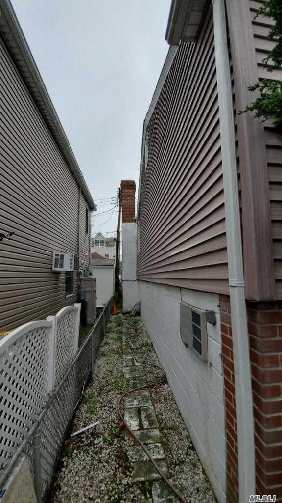 Single Family Cyrus Avenue  Brooklyn, NY 11229, MLS-3177787-17