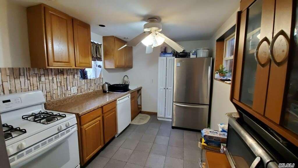 Single Family Cyrus Avenue  Brooklyn, NY 11229, MLS-3177787-3