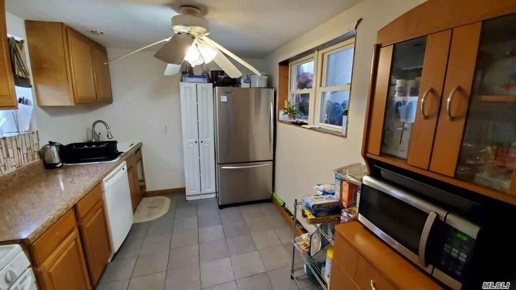 Single Family Cyrus Avenue  Brooklyn, NY 11229, MLS-3177787-4