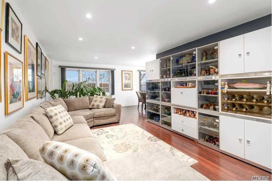 Property for sale at 87-10 149th Avenue # 3K, Howard Beach NY 11414, Howard Beach,  New York 11414